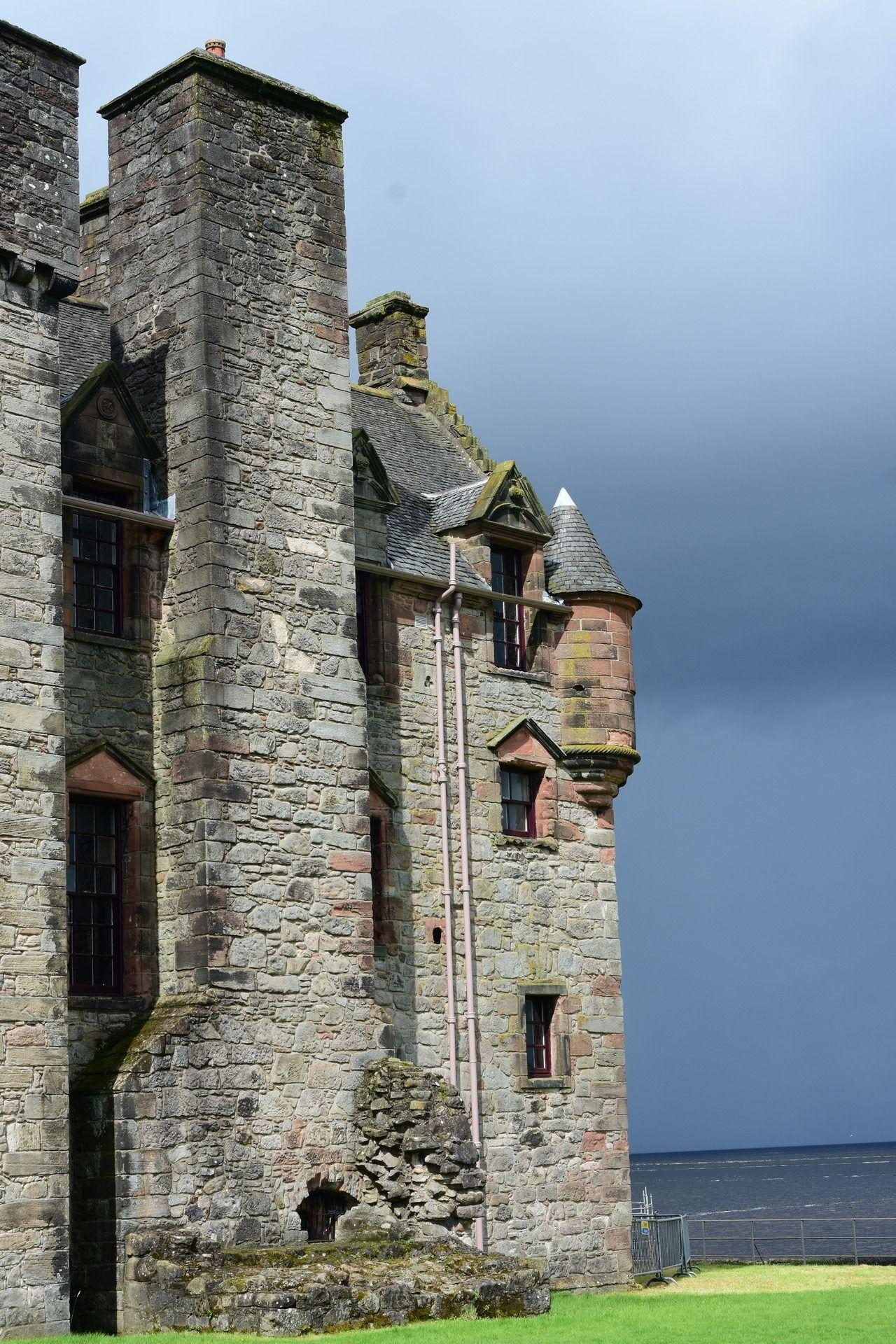 Scotland 2019 – day 2, Newark, Dumbarton and Inveraray Castles and Old Kingdoms